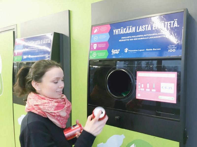 Finlândia, Helsinki, cultura finlandesa, brasileiras pelo mundo, reciclagem, máquinas de reciclagem, devolução de latas