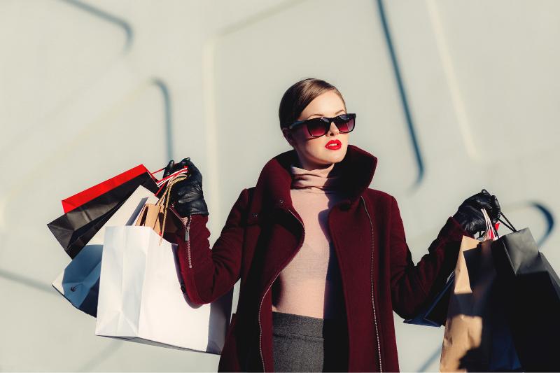 perfil de viajante, consumista, shopping, compras, viajante consumista